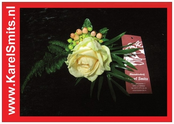 204 Corsage Zalm Roos