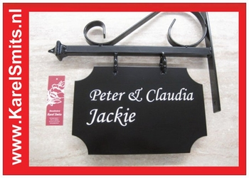 hart bloemen rouwstuk roze rozen ranokel hyacint anjer