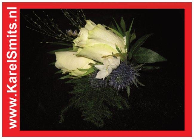 206 Corsage Witte Roos distel